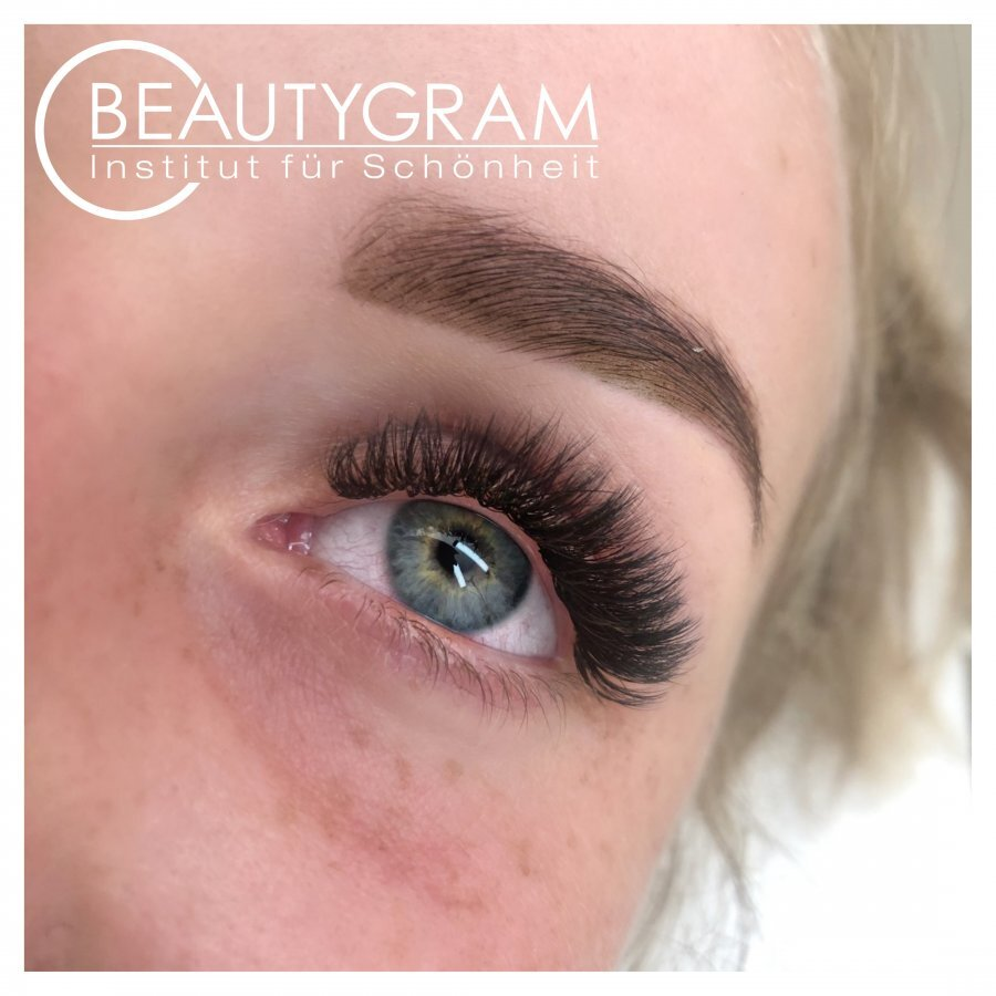 Henna Augenbrauen